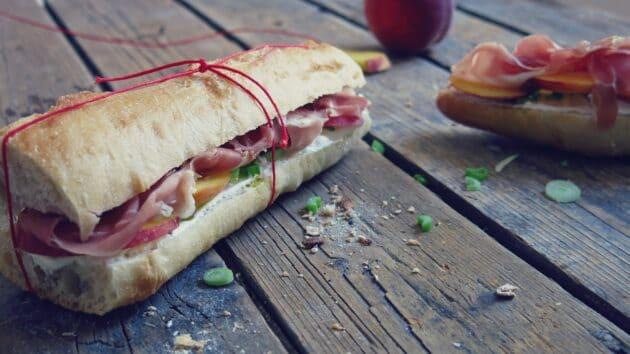sandwichs peche et jambon cru