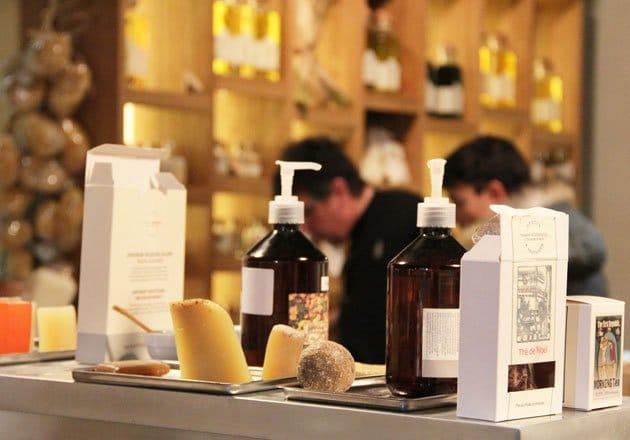 Boutique Botanicus Grenoble. Marque de cosmétique bio Botanicus à Grenoble rue Lafayette.