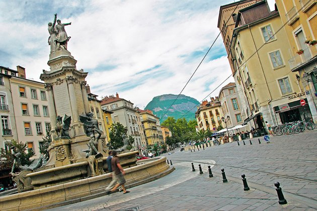 place_notre_dame-grenoble