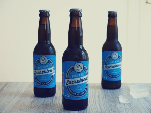 bouteilles de Sacrebleu bière bleue