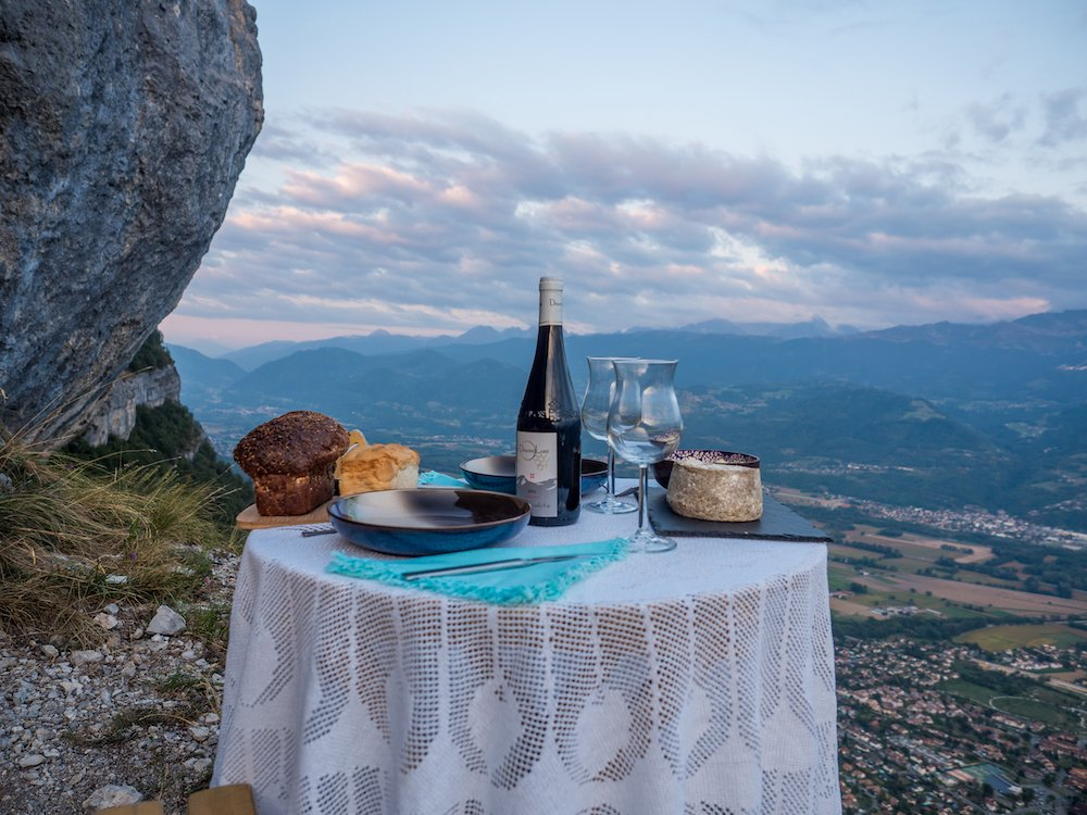 la table à la montagne