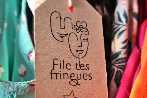 File tes fringues Mondaines Seconde main