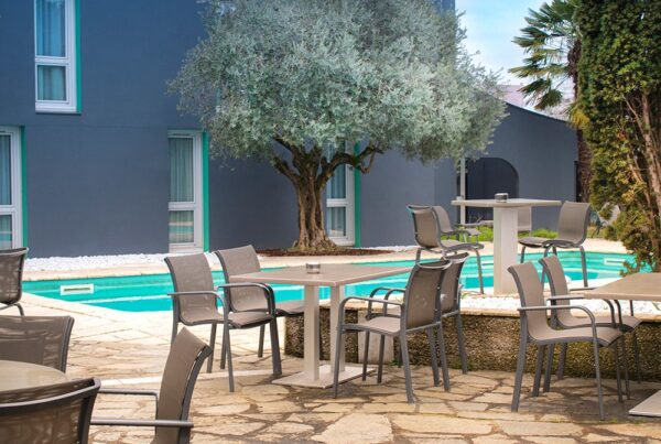 terrasse-pomo-hotel-restaurant-echirolles